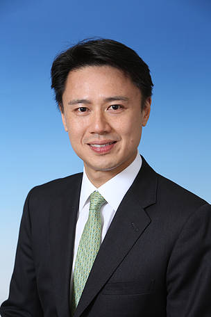 Mr Edward M. Ho